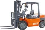 4-5吨内燃平衡重式叉车